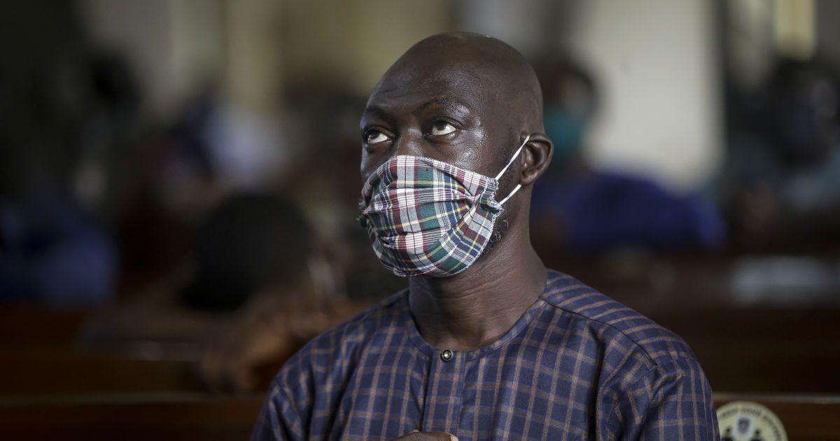 Плутали малярію з COVID-19: чим ризикують українці, які у пошуках відпочинку летять до Африки