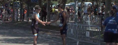 Вчинок героя: іспанський тріатлет поступився призовим місцем супернику, який побіг не в той бік