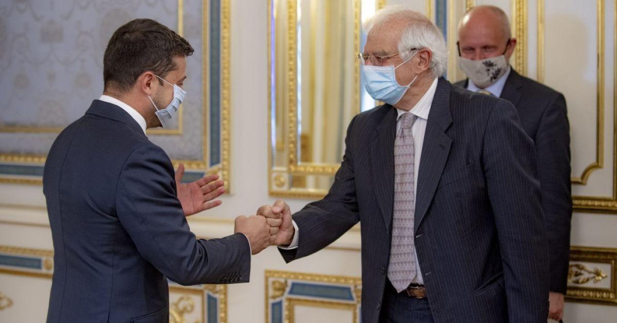 Зеленский на встрече с вице-президентом Еврокомиссии предложил создать переговорную площадку по Крыму