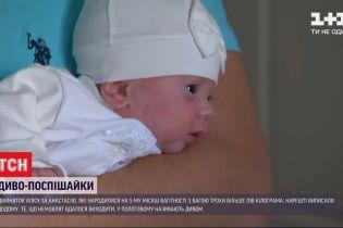 В столичном перинатальном центре удалось выходить девочек-двойняшек, которые родились с весом 500 граммов
