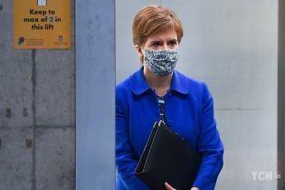 Не встигла пофарбувати коріння: перша міністерка Шотландії виступила в парламенті