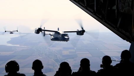 США осуществили дозаправку в воздухе конвертопланов Osprey во время украинского-американских учений