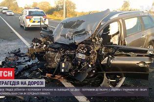 Два человека погибли и двое травмированы - последствия ДТП вблизи Львова