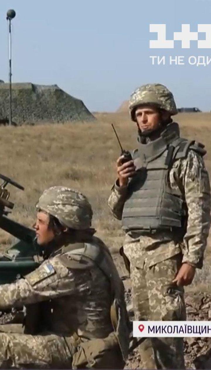 """Десантуються, тримають оборону й атакують ворога: як відбуваються навчання """"Об'єднані зусилля"""""""