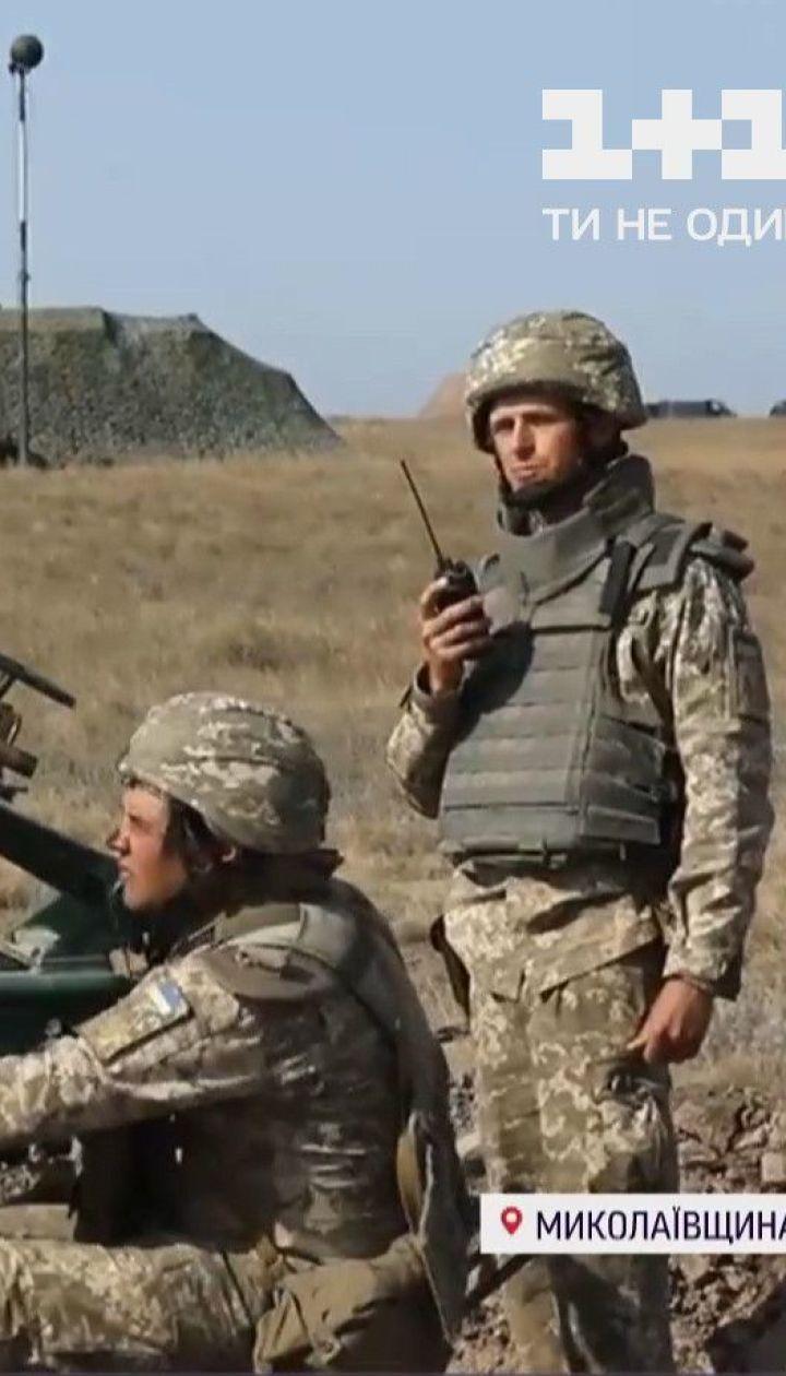 """Десантируются, держат оборону и атакуют врага: как проходят учения """"Объединенные усилия"""""""