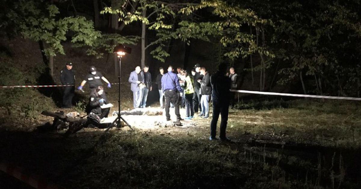 Ножиці в шиї і удари цеглою: у Києві на Лисій горі знайшли тіло чоловіка