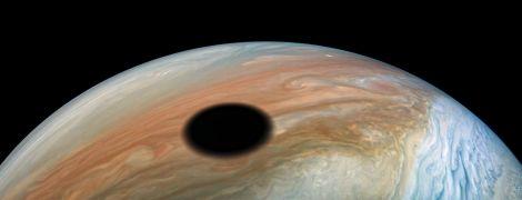 NASA опублікувало унікальне фото сонячного затемнення з Юпітера
