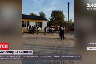 У Рівненській області з пострілами і гранатами ловили нелегальних бурштинокопачів