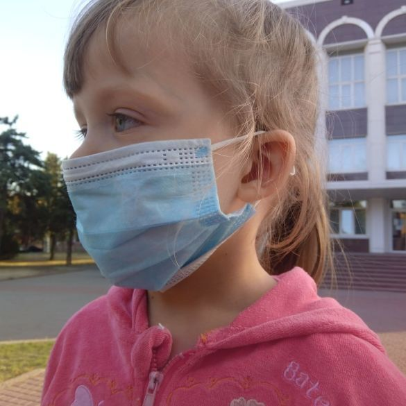 коронавірус діти, дитина, дитина в масці