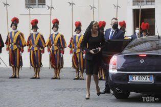 У чорному мереживі й на шпильках: перша леді Польщі на зустрічі з Папою Римським