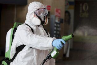 Из-за коронавируса в Чехии готовят чрезвычайное положение, а в Нидерландах — впервые вводят маски в магазинах