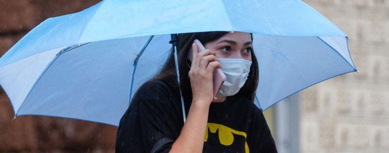 Коронавірус в Україні: за добу інфікувалися знову понад 4 тисячі осіб
