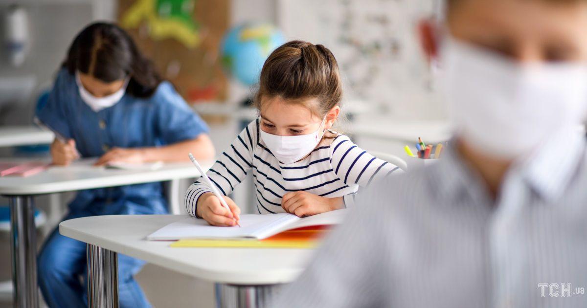 Как защитить от коронавируса детей: симптомы нового штамма и профилактика