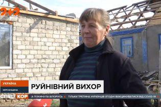 Югом Украины прокатилась непогода: более 40 населенных пунктов остались без электричества
