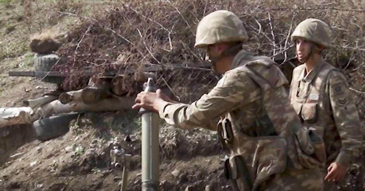 """В Армении заявили о """"широкомасштабном наступлении"""" Азербайджана в Карабахе"""