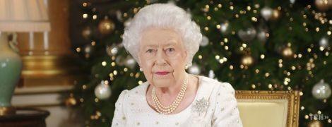 Королева в ярости: Елизавета II впервые за 33 года может провести Рождество не в Сандрингеме