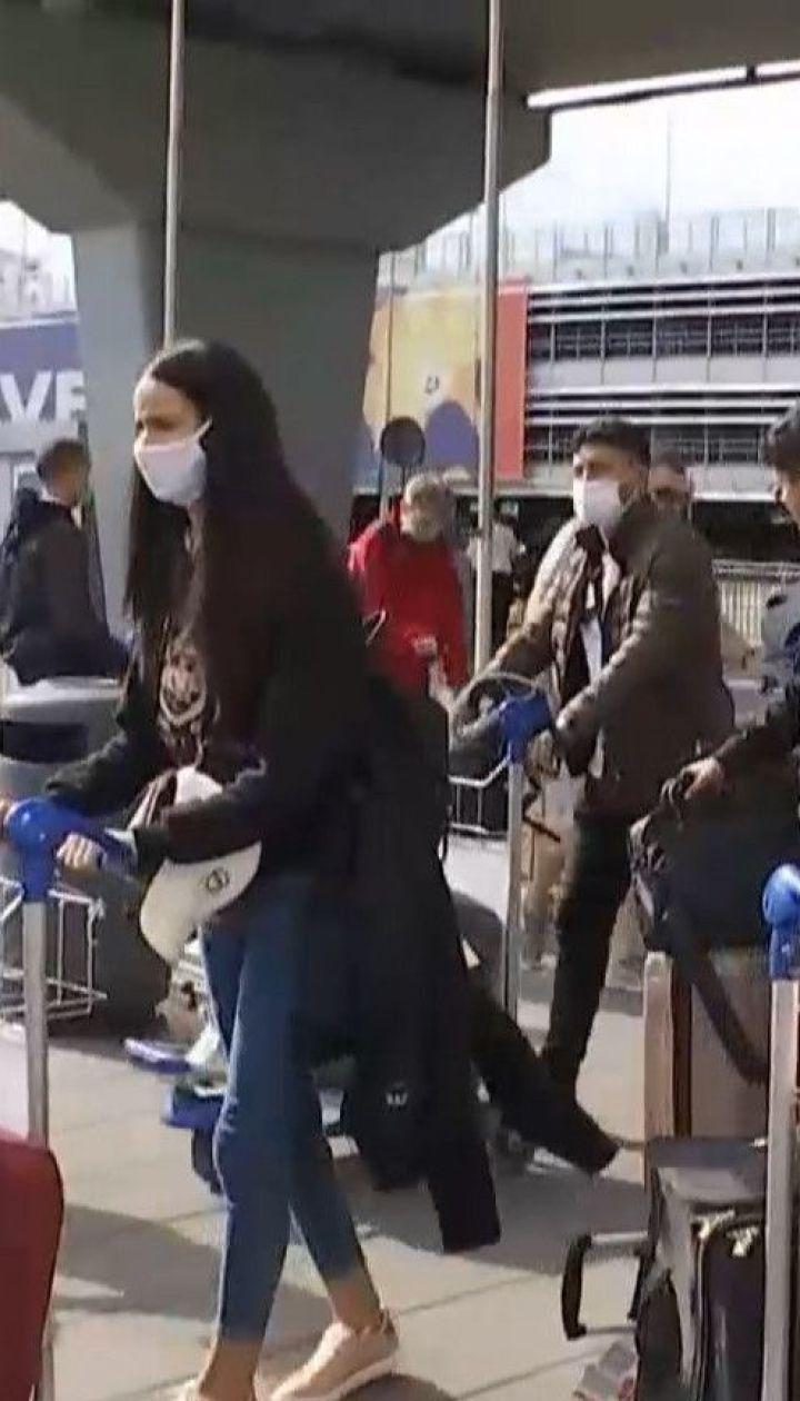 Уряд посилив вимоги в'їзду в Україну для іноземців