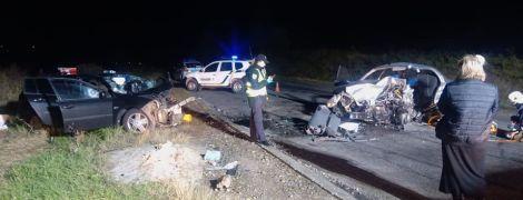 На Прикарпатье в ДТП авто просто сплющило: двое погибли, еще двое - ранены