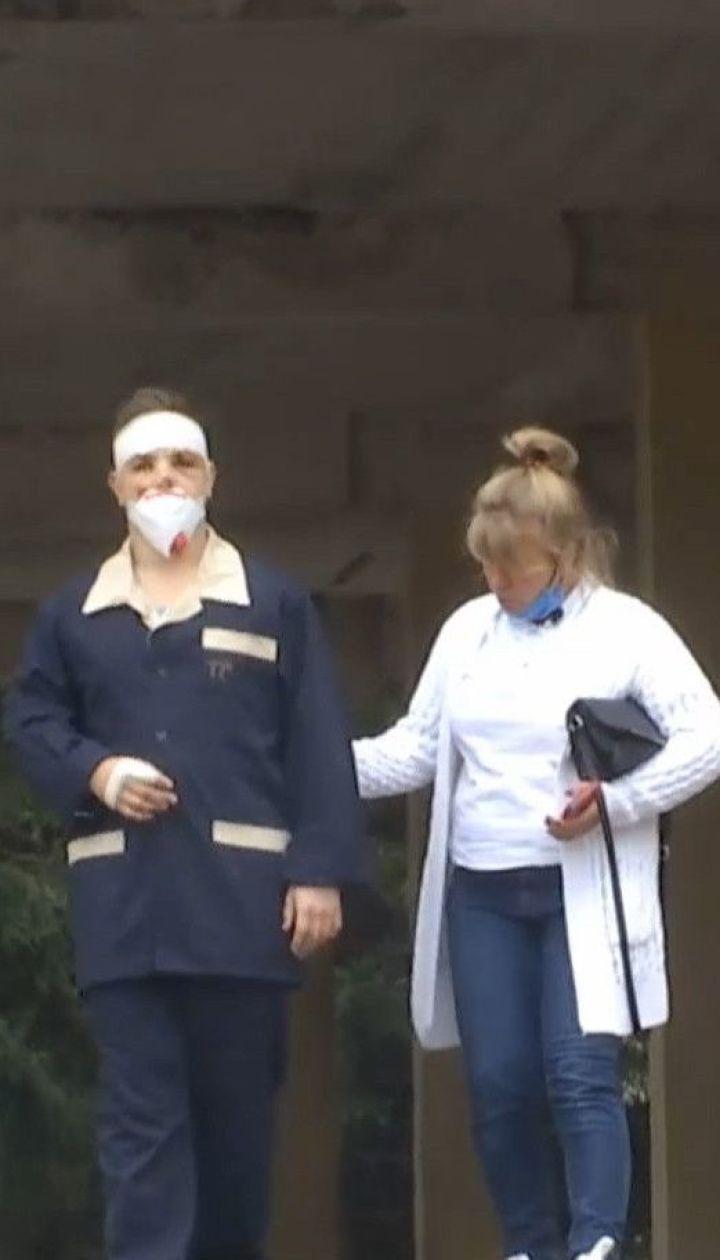 Курсант, который спасся в катастрофе, впервые вышел из больничной палаты и рассказал о полете Ан-26