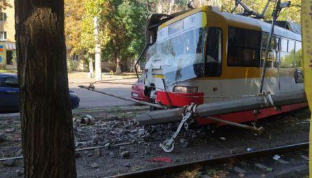 В Одессе трамваи попали сразу в две аварии в различных частях города