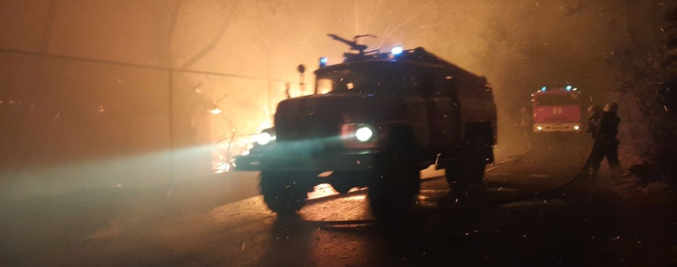 Лесные пожары в Луганской области унесли жизни четырех человек и угрожают 22 населенным пунктам