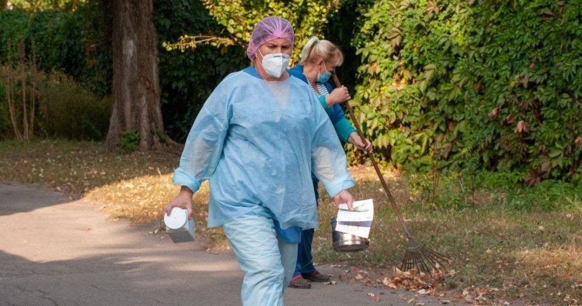 Коронавірус продовжує ширитися Україною: у яких регіонах ситуація 4 жовтня найгірша