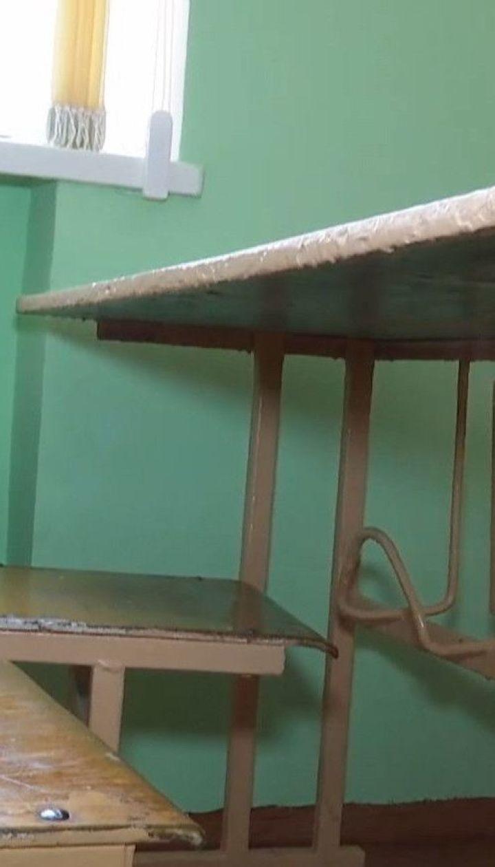 У житомирській школі одразу 30 вчителів з підозрою на коронавірус пішли на лікарняний
