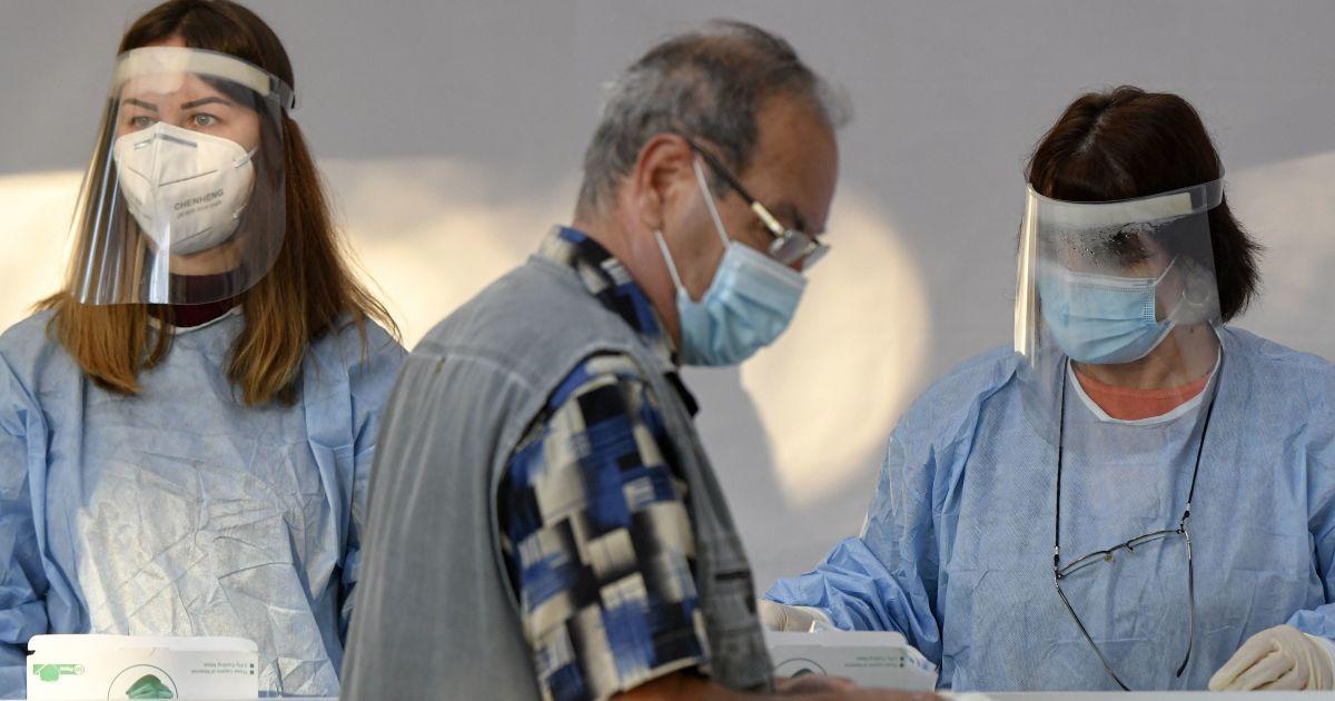 """""""Люди чекають у приймальній, щоб когось виписали"""" - головний медик Луцька про ситуацію в лікарні"""