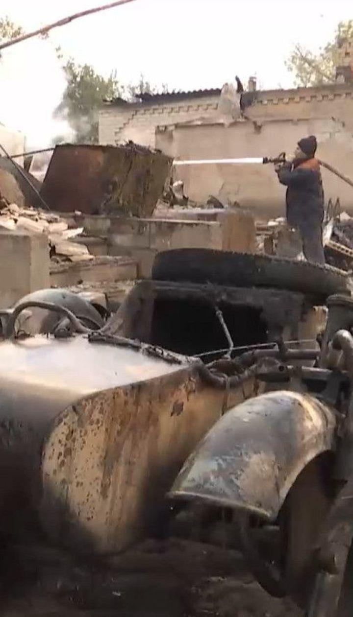 У Луганській області місцеві серед ночі тікали зі своїх будинків через масштабні пожежі