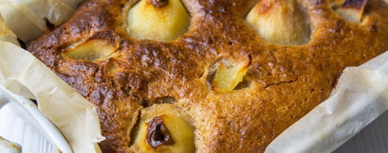 Грушевий пиріг із фініками: рецепт від Євгена Клопотенка