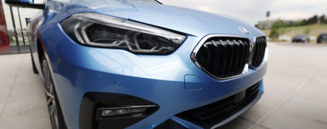 Податок для власників елітних авто: в Мінфіні запропонували внести певні зміни