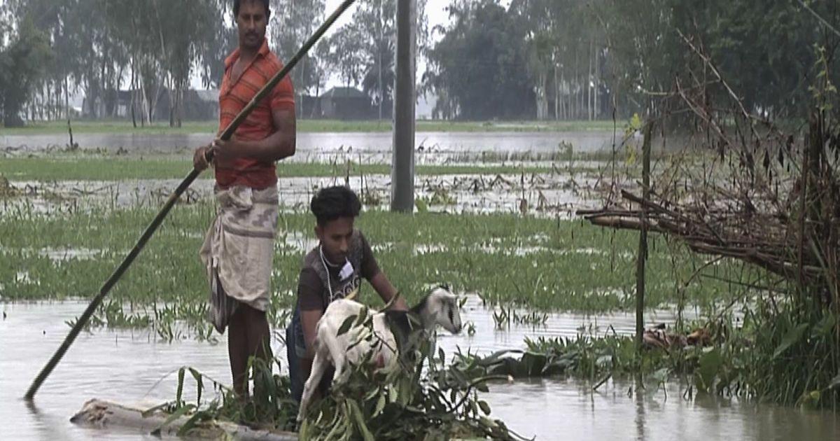 Из-за масштабного наводнения в Бангладеш пострадали около 100 тысяч человек, повреждены сотни зданий