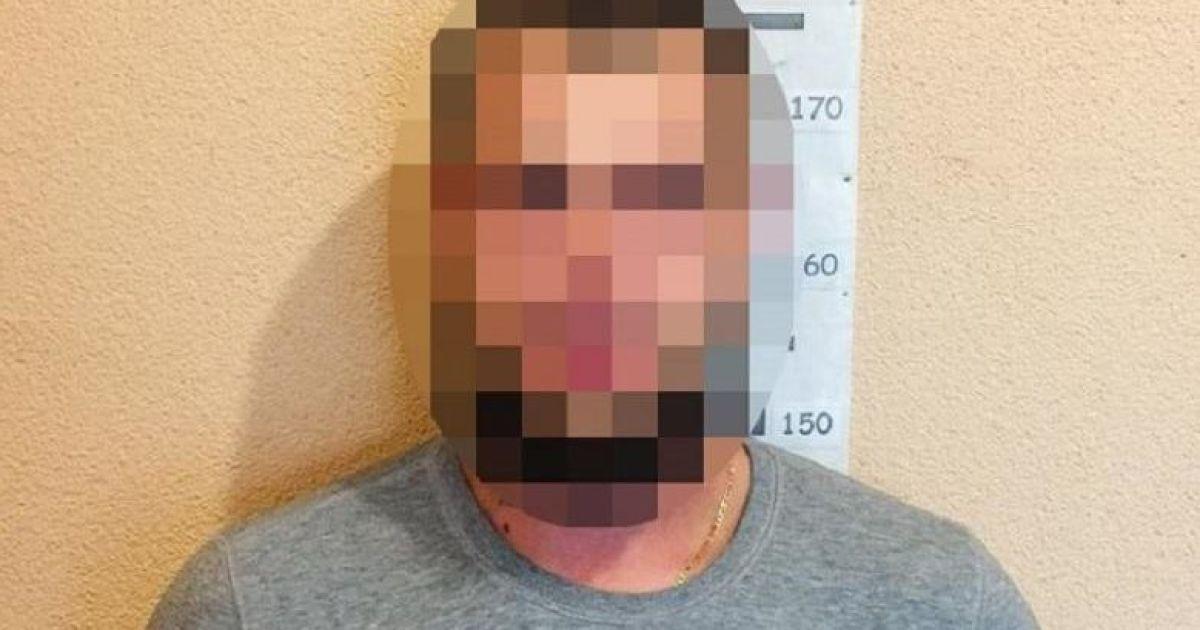 Напав на таксиста, погрожуючи зброєю: 25-річному киянину загрожує до 10 років ув'язнення за розбій