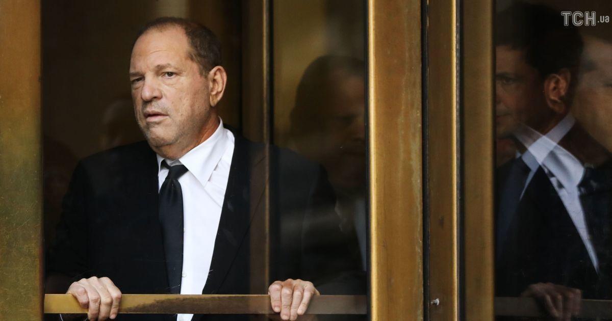Скандального Харви Вайнштейна обвинили в еще шести изнасилованиях