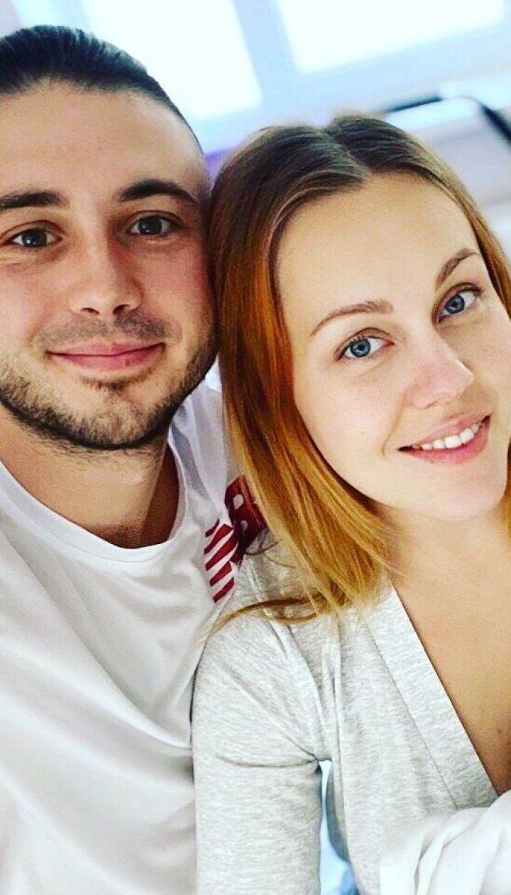 Alyosha і Тарас Тополя з новонародженою дочкою Марією