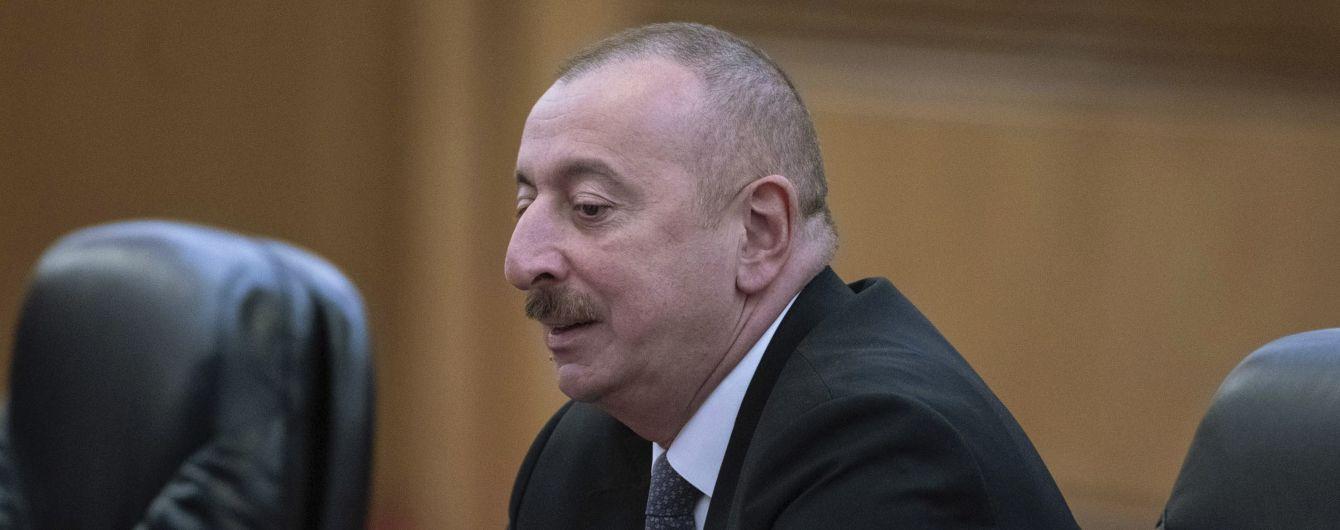 Азербайджан готов перестать стрелять, если армянская сторона прекратит огонь