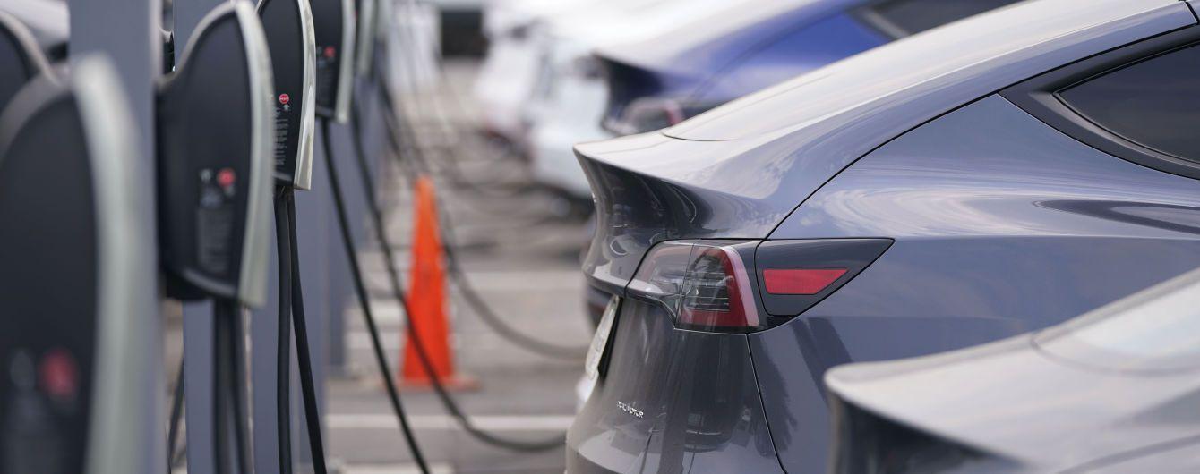 У США встановлено рекорд із продажу електромобілів