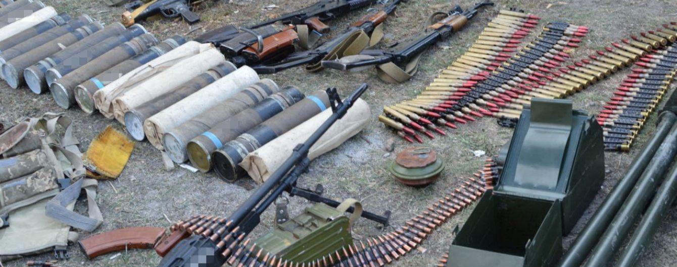 """Під час """"тиші"""" на Донбасі Росія завозить зброю бойовикам"""