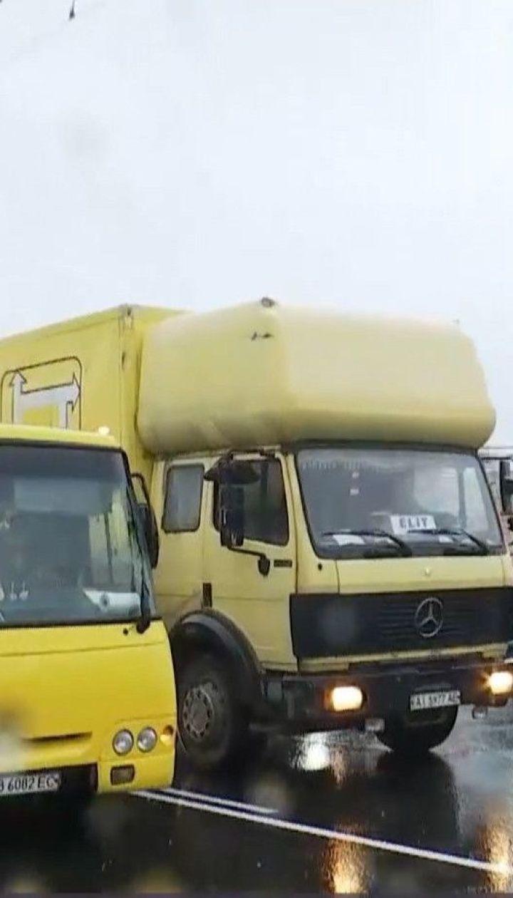 Рух обмежено: у Києві дорожники починають ремонт чергової ділянки на проспекті Степана Бандери