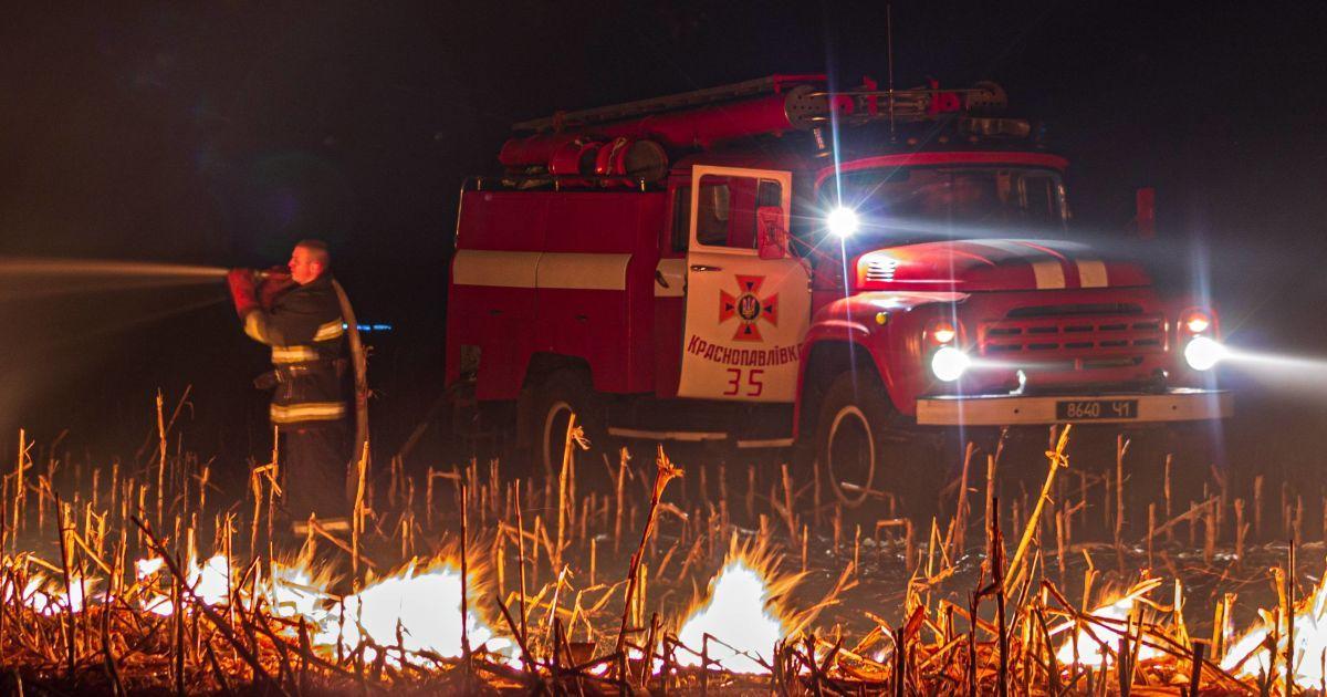 У Сумській області від підпаленого сухостою згоріло обійстя з житловим будинком