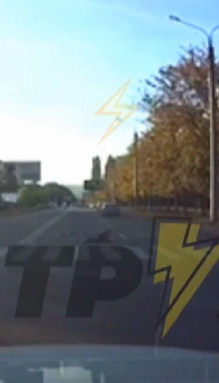 В Харькове водители не разглядели на пешеходных переходах несовершеннолетних, двое травмированы