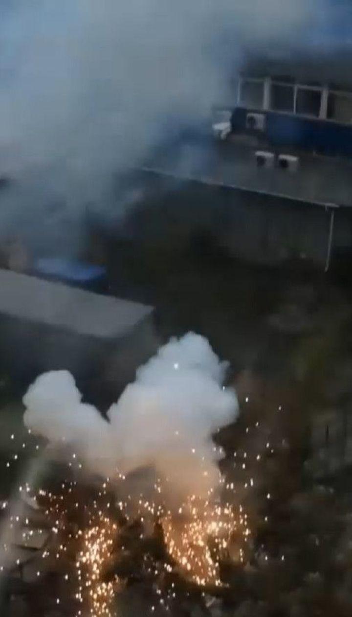 У Києві під час дощу вибухнув високовольтний кабель