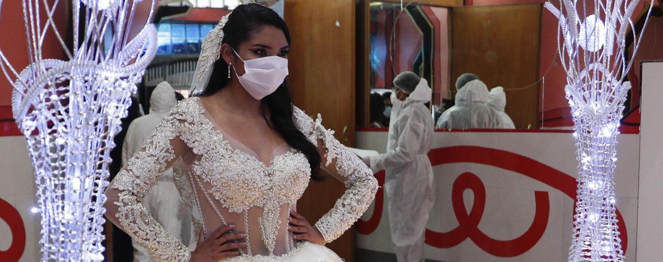 Коронавірус знову набирає оберти: у багатьох країнах світу повертаються до жорстких обмежень