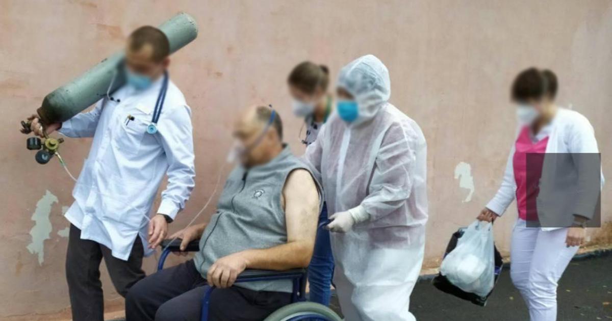 Лікарі тягають кисневі балони і хворих: у Мережі показали, як лікують пацієнтів з COVID-19 на Хмельниччині