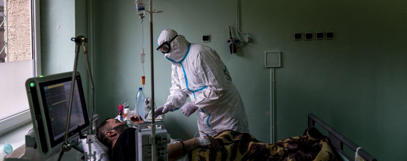 В Україні новий коронавірусний антирекорд: за добу виявили понад 4 тисячі випадків