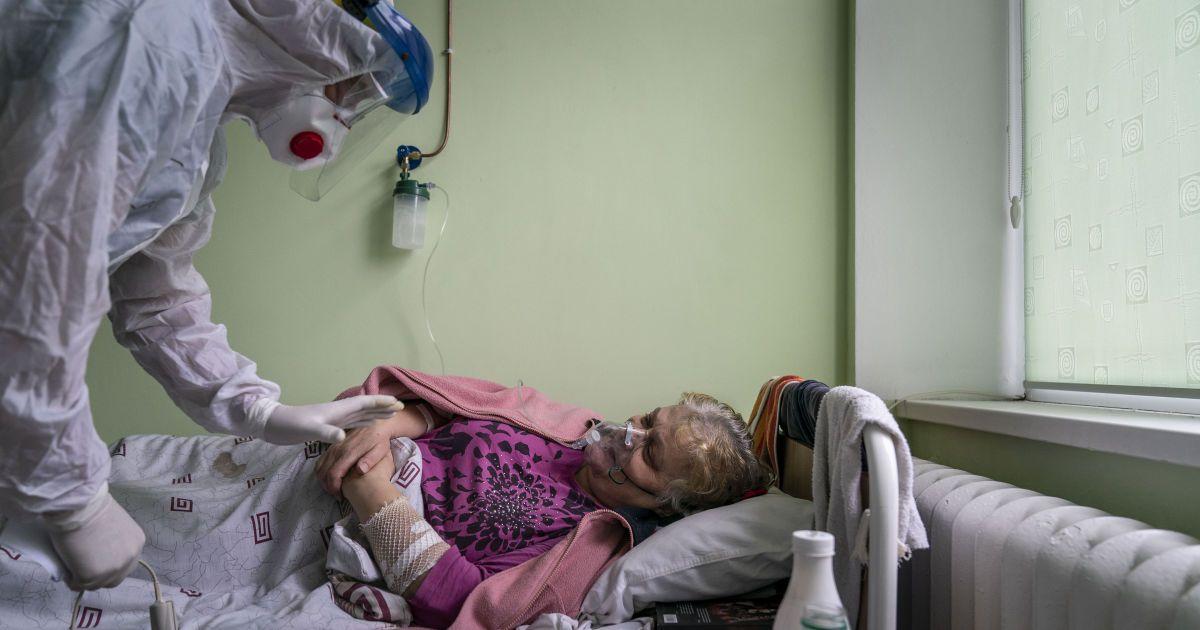В Україні нових випадків COVID-19 стало менше, недуга забрала життя 85 осіб