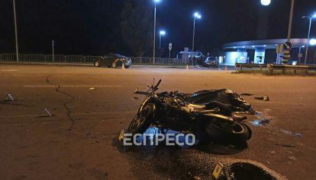 На въезде в Киев произошло ужасное ДТП: погиб мотоциклист