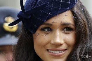Герцогиня Сассекская появилась на публике в особенном образе