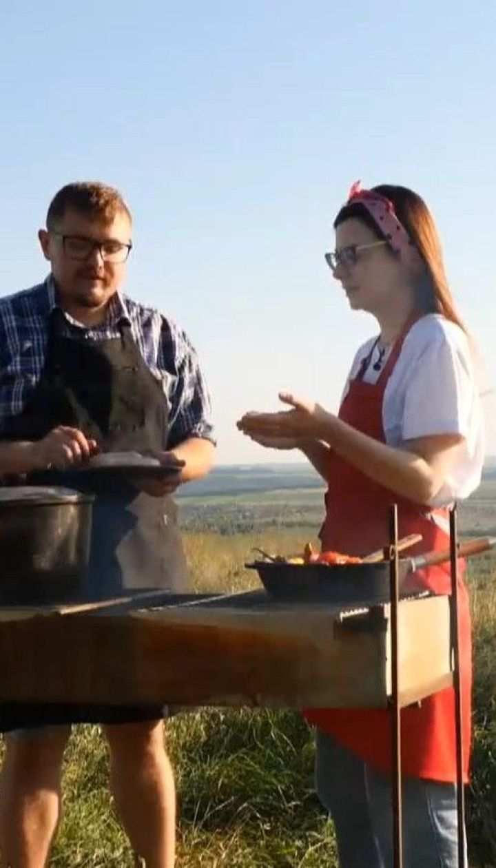 """""""Жахливо смачно"""": ТСН приготувала ковбасу з риби за унікальним стародавнім рецептом"""