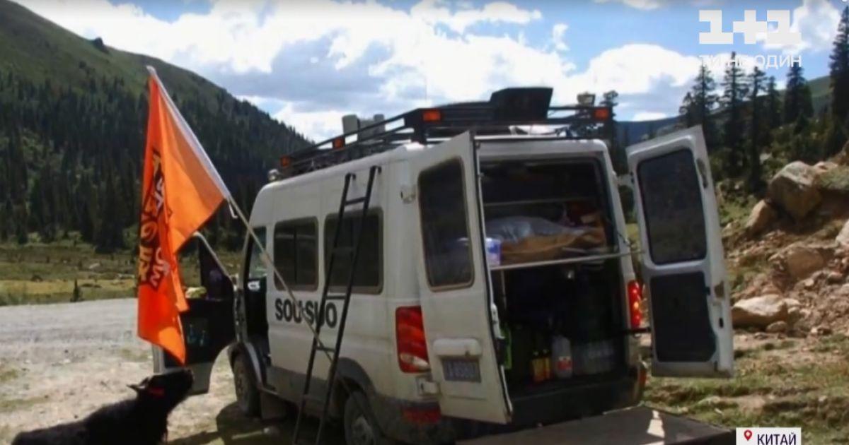 Коп-путешественник: в Китае бывший полицейский на машине преодолел более 240 тысяч километров страной